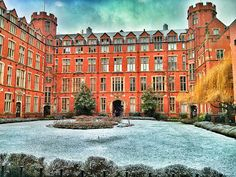 Firth Court garden covered in snow. The University of Sheffield. Sheffield Steel, Sheffield Home, Sheffield City, South Yorkshire, Yorkshire England, England Uk, Sources Of Iron, University Of Sheffield, Derbyshire