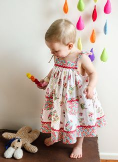 EASY PATTERN --- Girls Dress Pattern. The Daisy Sun Dress is a bright and breezy little summer frock or top --- quick and easy to make. A lovely summer dress for all the girls in the family from 6 months to 8 years old.The pattern includes 4 variations of the dress and can also be made as a top.You can see photos of all the variations listed in the shop --- they are all called Daisy.