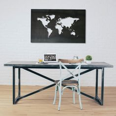 Planisfero in lamiera di ferro nero calamina #niklasteeldesign.  #planisfero #calamina #planisphere #bacheche #ricordi #magneticboard #metaldecor #worldmap #world #calamite #collezione #magneti #viaggi #holiday #traveltheworld #travel #trip #vacanze #mondo #homedecore #regalo #idearegalo #arredoufficio #office