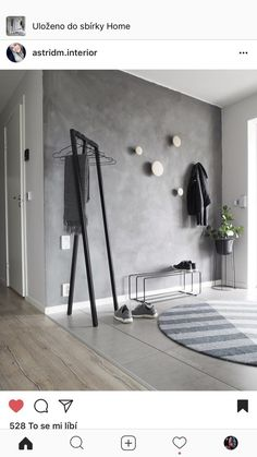 grey walls with wood hooks Entryway and Hallway Decorating Ideas Grey Hooks Walls Wood Interior Design Living Room, Living Room Decor, Interior Decorating, Bedroom Decor, Decorating Ideas, Hallway Decorating, Dining Room, Flur Design, Entry Way Design