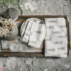 This set includes two Gran warm grey napkins and it is part of the kitchen collection.