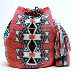 Wayuu Boho Bags with Crochet Patterns                                                                                                                                                                                 Más
