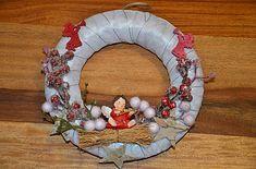 monika1651 / Venček Christmas Wreaths, Holiday Decor, Home Decor, Decoration Home, Room Decor, Home Interior Design, Home Decoration, Interior Design