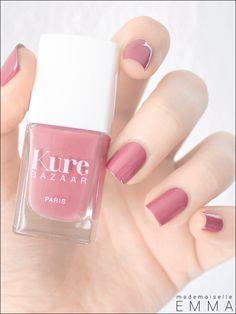 Kure Bazaar So Vintage : le rose vintage par excellence disponible sur http://www.mademoiselle-bio.com/vernis-a-ongles-kure-bazaar.html