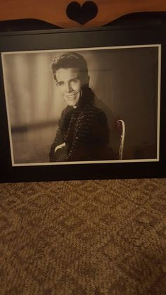 This is my picture i got from my cousin got me for my birthday i got the frame young Mr.Warren Beatty my favorite actor