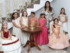 O estereótipo cor-de-rosa que estreita horizontes e possibilidades das meninas vence o bom-senso e 'escola de princesas' é um sucesso