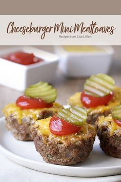 This Cheeseburger Mini Meatloaves recipe is super flavorful and super easy to make from They'd make a great addition to a weekly bariatric meal-prep and are a great choice for the whole family! New Recipes, Low Carb Recipes, Cooking Recipes, Favorite Recipes, Healthy Recipes, Recipies, Healthy Lunches, Dinner Recipes, Healthy Eating