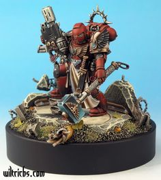 Warhammer 40k Space Marine Captain (?) with Iron Halo, Thunder Hammer and Meltagun. Blood Angels Chapter