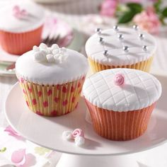 Vintage style rose wedding cupcakes recipe. For the full recipe, click the picture or visit RedOnline.co.uk