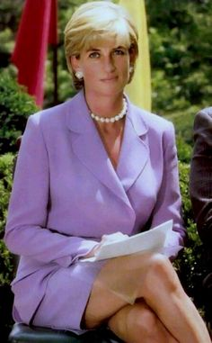 June 17, 1997: Diana, Princess of Wales working with the Red Cross to help campaign for a ban on landmines in Washington, D.C.