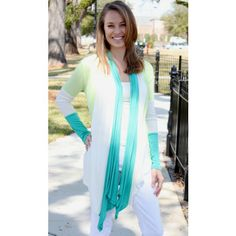 This San Juan Cardigan makes me think of Spring... and tropical beaches too!