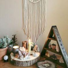 Talented combined zen meditation room Save on Meditation Room Decor, Feng Shui, White Bedroom Design, Zen Room, Diy Home, Home Decor, Relax, Beautiful Bedrooms, Dorm Ideas