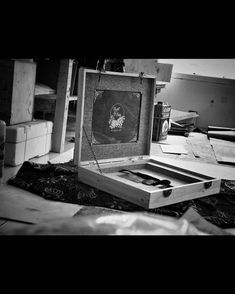 "1,329 Suka, 1 Komentar - Handmade Album & Custom Box (@kasmaran.id) di Instagram: "". . . #love #alhamdulillaah #weddingalbum #weddingbox #weddingindonesia #preweddingindonesia…"""