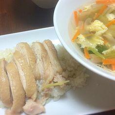 鶏肉は塩もみして50℃のお湯に10分つけると臭みや余分な脂などが抜けて美味しくなります(*^_^*) 硬めが好きな方はレシピよりもお水少なめがオススメ - 4件のもぐもぐ - 千尋*さんの炊くだけカオマンガイとザーサイのスープ by tomo3271