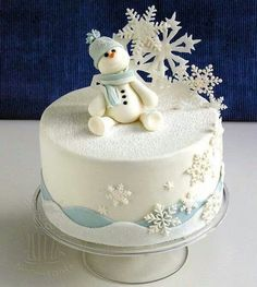 Snowman and snow flake cake