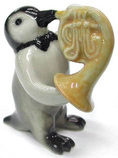 MB010 - NR Musician - Penguin playing the French Horn