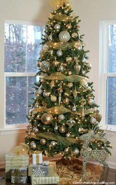 Sapin de #Noël or et argent. #deco