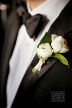 ivory boutonniere, I like these flowers
