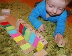 Zabawy dla małych dzieci 6-24m Games For Kids, Diy For Kids, Cool Kids, Picnic Blanket, Outdoor Blanket, Diy Toys, Montessori, Play, Education