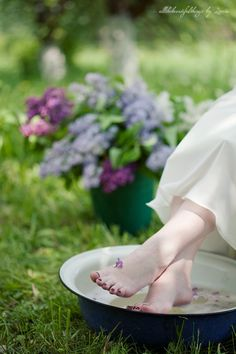 elements of blessingsways for moms-to-be could include a salt bowl in which each guest adds something to the Epsom salts, such as fragrant oils or dried flowers, and mixes it while saying a prayer or giving a special message to the mother.