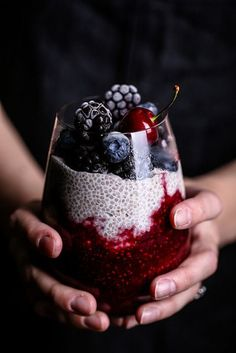 Mixed Berry Compote + Creamy Chia Pudding is part of Berry compote - A luscious, delicious breakfast (or dessert!) using So Delicious Coconutmilk Creamer, fresh berries and chia seeds Cereal Recipes, Dessert Recipes, Comidas Light, Chia Recipe, Berry Compote, Snacks Saludables, Mixed Berries, Healthy Desserts, Healthy Lunches