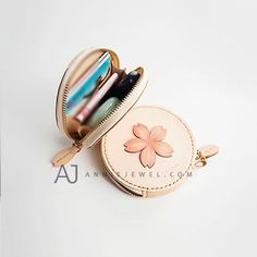 Hand stitched leather coin holder wallet floral sakura handmade cards wallet key wallet clutch purse bag for girls women Key Holder Wallet, Coin Wallet, Clutch Wallet, Coin Purse, Cute Purses, Purses And Bags, Apple Watch Bands Fashion, Simple Wallet, Handmade Bags
