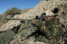 British elite troops hunt #ISIS in Iraq on secret night missions http://on.rt.com/6sq523