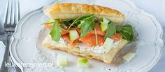Heerlijk als (paas)lunch: knapperig bladerdeeg belegd met roomkaas, zalm en appel