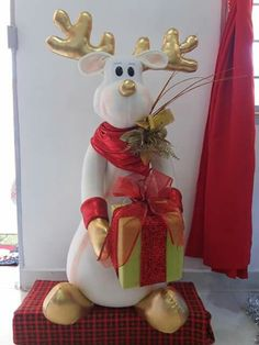 Christmas Deer, Christmas Holidays, Christmas Crafts, Christmas Ornaments, Reindeer, Snowman, Deer Pattern, Diy Tutorial, Diy And Crafts