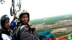 Parapente Guayaquil Ecuador Disfruta del paisaje de la ciudad desde un vuelo en parapente con instructores certificados.
