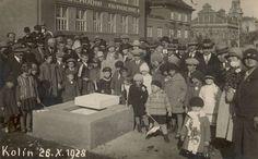Základní kámen k pomníku TGM byl položen 28.10.1928 k 10. výročí založení ČS republiky Dolores Park, Street View, Concert, Painting, Hearts, Historia, Painting Art, Concerts, Paintings