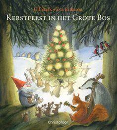 Kerstfeest in het grote bos. e konijntjes Nina en Flip vinden iets vierkants met allerlei tekens erop. De slimme kraaien zeggen dat er TOMTE NAAR B op staat. Dat betekent natuurlijk dat tomte naar de dieren in het Grote Bos zal komen! De kraaien vertellen ook dat tomte meestal met Kerstmis komt. En de eekhoorns weten dat het kerst wordt, als men allerlei mooie dingen in de bomen hangt, een kerstmaal kookt en samen lekker eet, danst en zingt. En dat iedereen dan heel lief voor elkaar is!