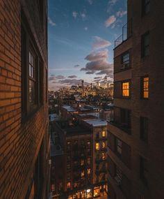 Pinterest: @namchaz 🇳🇵 New York Life, Nyc Life, City Aesthetic, Travel Aesthetic, Apartment View, City Vibe, City Wallpaper, Dream City, Concrete Jungle