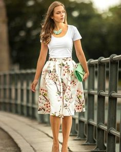 Sakura Midi Skirt Modest Outfits, Skirt Outfits, Classy Outfits, Modest Fashion, Casual Outfits, Cute Outfits, Fashion Outfits, Womens Fashion, Fashion Tips