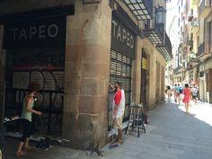 Arte urbano en las persianas de Tapeo!
