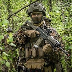 #dard #policevd #police #cantonale #vaudoise #gendarmerie #groupeintervention #intervention #swat #uat #scoutsniper #ghillie #ghilliesuit…
