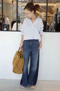 Deuxieme Classe スナップNo17666 メインカット Fashion 2017, Fashion Outfits, Womens Fashion, Fashion Trends, Executive Outfit, Comfortable Fashion, Japanese Fashion, Mom Style, Jean Outfits