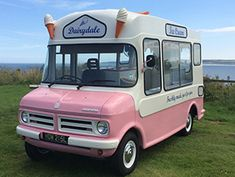 ice cream van Toni Bell, oh the excitement when you heard the sound of the van! Ice Cream Car, Starting A Food Truck, Ice Truck, Artisan Ice Cream, Truck Room, Gelato Shop, Food Truck Business, Old Lorries, My Coffee Shop