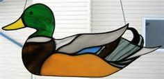 mallard duck stained glass patterns - Bing images Stained Glass Birds, Stained Glass Ornaments, Stained Glass Suncatchers, Stained Glass Designs, Stained Glass Projects, Stained Glass Patterns, Mosaic Birds, Mosaic Art, Mosaic Glass