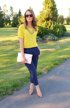 30 Tastefully Chosen Interview Outfit Ideas that Speaks Volume <br> Fetch ideas from here to look your absolute best in the interview, and crack it like a co fine dent pro. For more such interview outfit ideas, look through the gallery. Navy Pants Outfit, Navy Blue Pants, Business Casual Outfits, Chic Outfits, Fashion Outfits, Office Outfits, Cool Winter, Look Office, Mellow Yellow