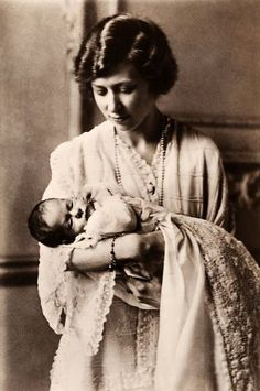 Mary, Viscountess Lascelles, with her elder son The Honourable George Lascelles. Princess Mary lived at Goldsborough Hall throughout the 1920s.