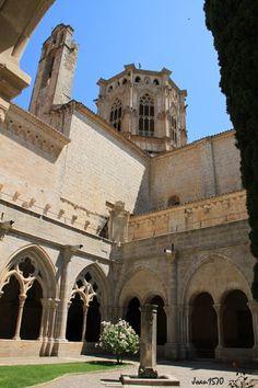 Claustro de Poblet Tarragona Catalonia