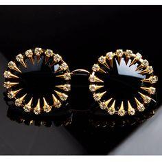 2017 Mens designer sunglasses Cool Fashion rivet steampunk Sun glasses Rhinestone Round Women Sunglasses Unique Style UV400