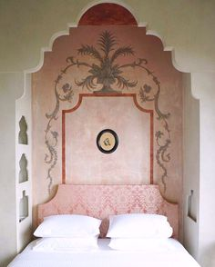 Dreamy alcove bed at Hazz Istambul, a wonderful B&B / Showroom / Home by Asli Tunca and Carl Vercauteren Gothic Furniture, Bedroom Furniture Sets, Bedroom Decor, Furniture Dolly, Alcove Bed, Bed Nook, American Home Furniture, Coaster Furniture, Moroccan Decor