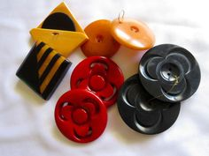 Vtg 1930s Bakelite Buttons Collection 8 Buttons Total Big Bold 3 Pairs 2 Singles
