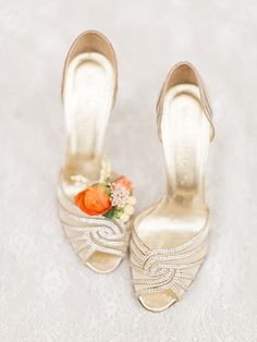 gold wedding shoes - photo by Trini Mai Photography http://ruffledblog.com/vibrant-summer-wedding-inspiration