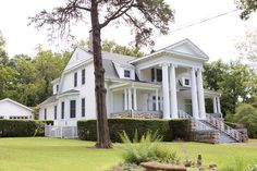 Amazing estate perfect for a large family or bed and breakfast. Built to perfection in 1905, this Georgian Revival home has everything you would expect inside including gorgeous hardwood flooring, …