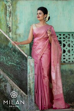 Bridal is and Kanchipuram is MilanDesign! Our latest collection of classic and stylish designer Kanchipuram sarees are in our store. Drop by to let our full range entice you…More Indian Saris Click VISIT link above for more info Simple Sarees, Trendy Sarees, Stylish Sarees, Indian Silk Sarees, Soft Silk Sarees, Cotton Saree, Blouse For Silk Saree, Pink Saree Silk, Sleeveless Blouse