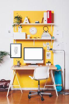 Cores na decoração de ambientes - Home Office Amarelo - Home Office Colorido - Mesa de Cavalete - Luminária de Chão - Home Office Pequeno - Dicas