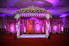 New wedding diy elegant twine Ideas - Wedding Hall Decorations, Marriage Decoration, Backdrop Decorations, Daisy Wedding Flowers, Rustic Wedding Flowers, Rustic Bouquet, Indian Wedding Stage, Wedding Mandap, Dress Wedding